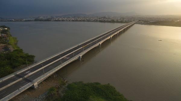 Eurofinsa termina la construccion de un puente en Ecuador